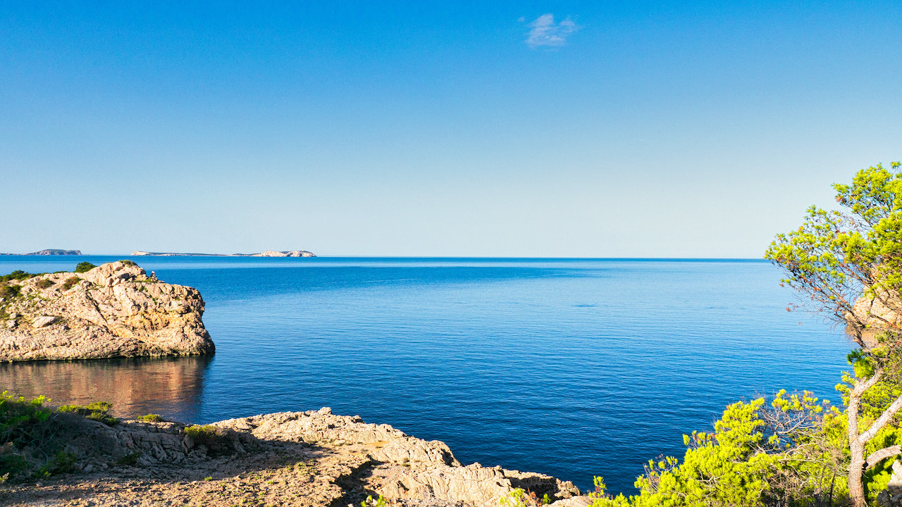 Our Top 5 Ibiza Beach Villas… all within Walking Distance of the Beach!
